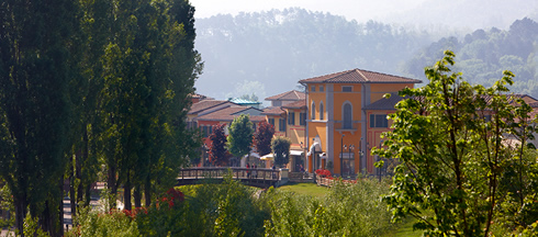 Barberino Designer Outlet Village, Barberino del Mugello ...