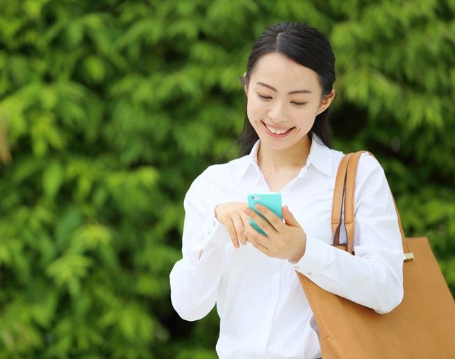 La praticità della borsa a spalla la rende un accessorio comodissimo nella quotidianità di tutte le donne