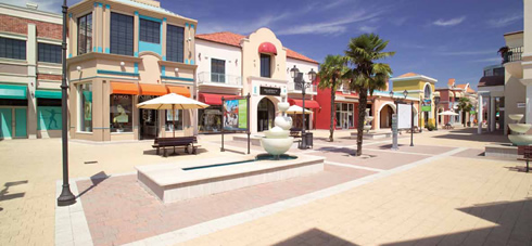 Outlet Manila Grace nei Village d\\\'Italia